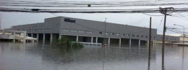 Inondazioni in Thailandia: Nikon sposta la produzione