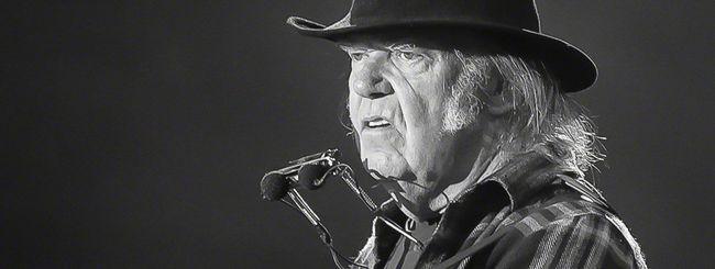 """Neil Young contro MacBook Pro: """"È un giocattolo"""""""