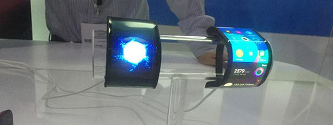 Lenovo Cplus, smartphone flessibile da polso