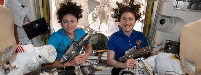 Guarda la prima passeggiata spaziale di sole donne