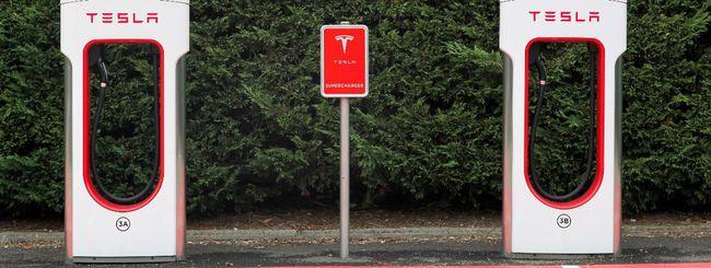 Tesla amplia la rete dei Supercharger