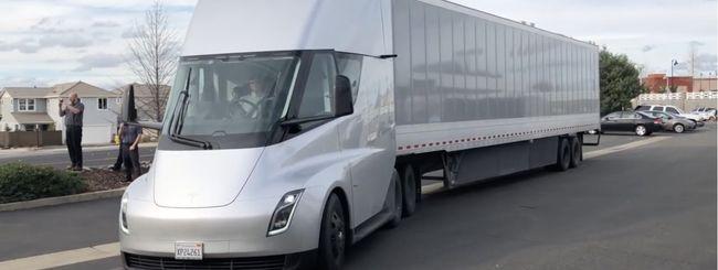 Tesla Semi, produzione rinviata al 2020