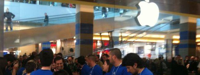 La notte di iPhone 5: file senza precedenti davanti agli Apple Store
