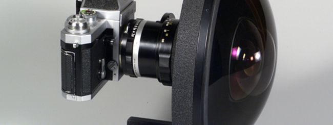 C-4 Optics 4.9mm f/3.5: il fish eye estremo