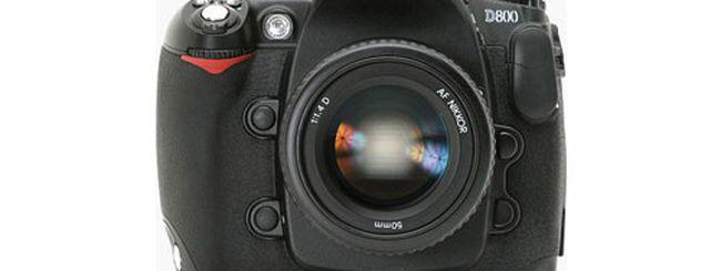 Nikon D800 in vendita con due obiettivi e un flash