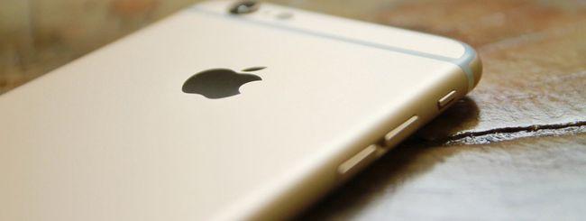 iPhone: Apple apre agli schermi di terze parti