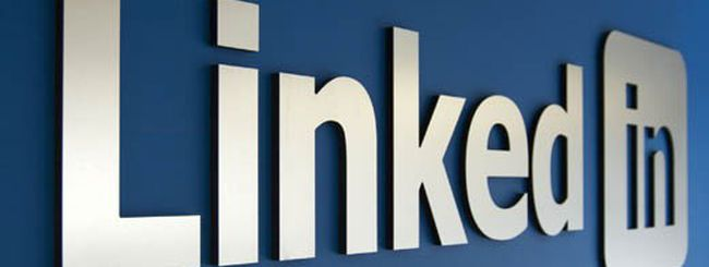 LinkedIn, arriva il Follow Company