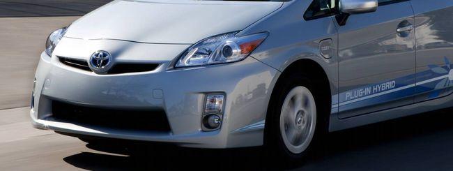 Toyota, aggiornamento software per la Prius