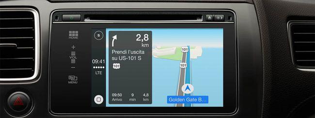 Apple risponde sui rischi di CarPlay alla guida