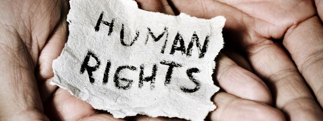 Facebook assume per tutelare i diritti umani