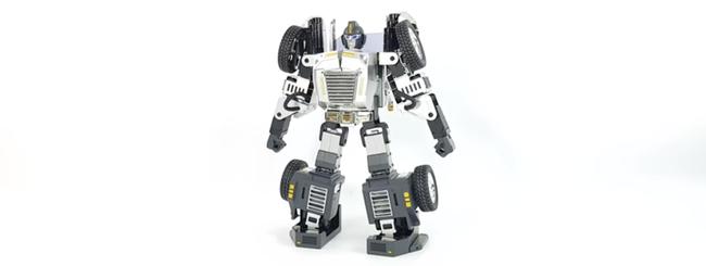 Robosen T9, i Transformers non sono più fantasia
