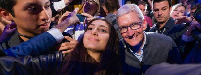 Tim Cook è in Italia: critica Libra di Facebook