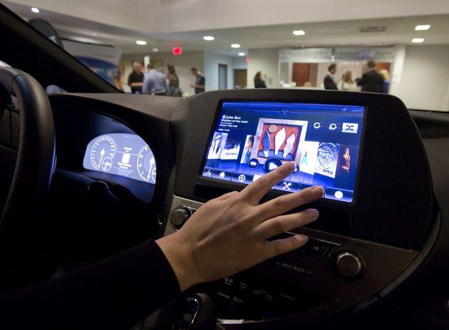 Il display touch nella smart car