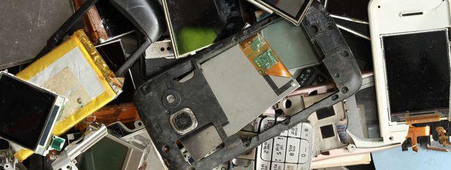 Gli smartphone si rottamano nei negozi