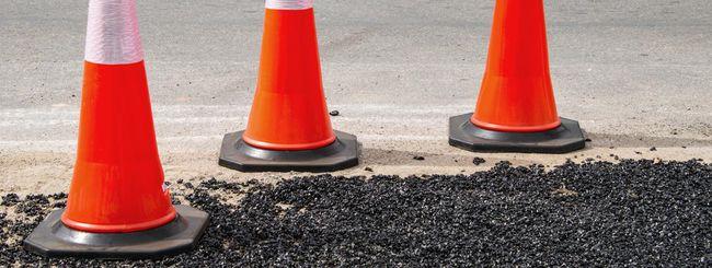 L'asfalto si ripara e ricarica le auto elettriche