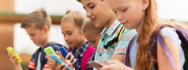 Francia, stop agli smartphone a scuola