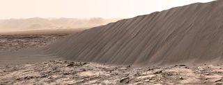 Curiosity, selfie nel deserto marziano