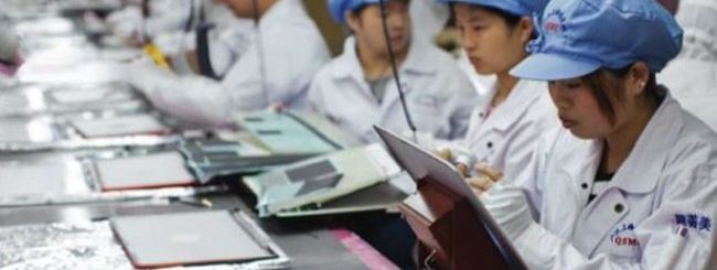 Foxconn aumenterà i salari e ridurrà gli straordinari
