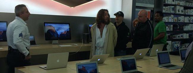 Uomo vestito da Gesù arrestato in un Apple Store