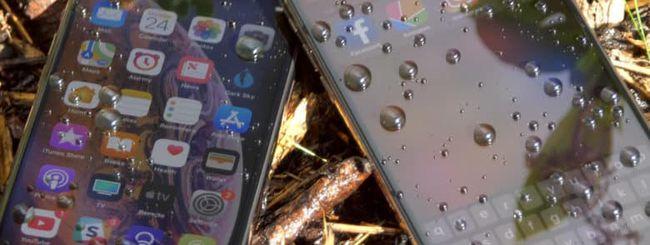iPhone bagnati, Apple lavora ad una tecnologia che ne consente l'uso con l'acqua