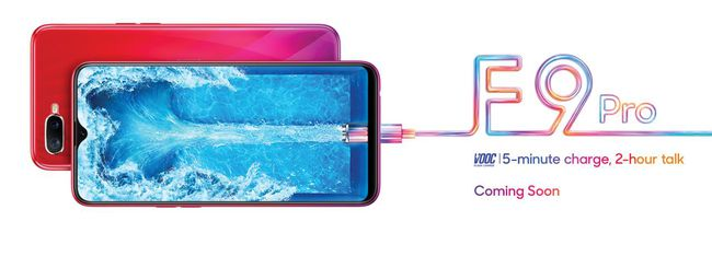 Oppo F9 e F9 Pro, schermo waterdrop e dual camera