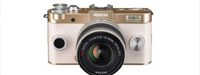 Pentax Q-S1, nuova mirrorless dal look retro