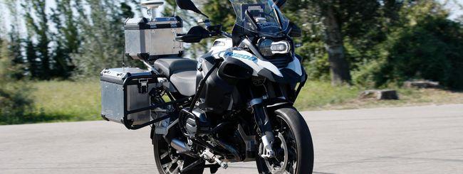 BMW, ecco la moto che si guida da sola