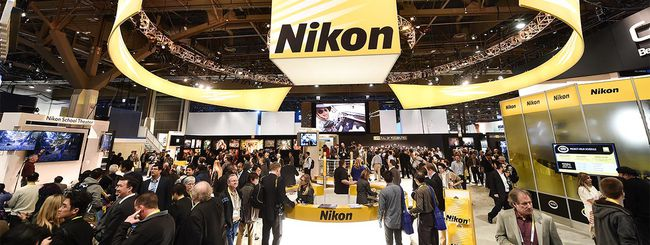 Momento nero per Nikon: via 1.000 lavoratori