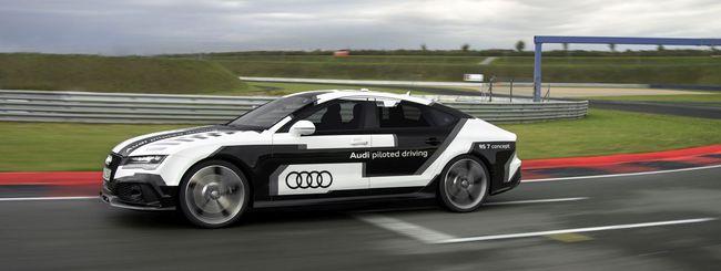 Audi RS 7 in pista, 240 Km/h senza pilota