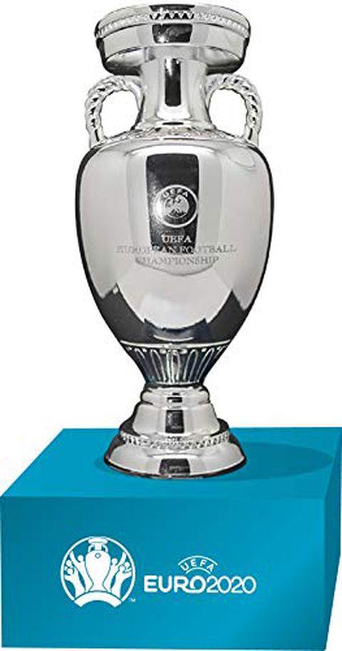 UEFA Euro 2020 Trophy Replica (100 mm) su piedistallo