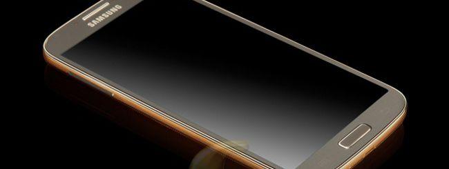 Il Samsung Galaxy S4 si veste d'oro