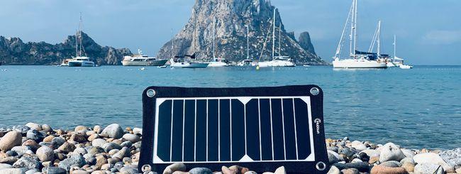 Pannelli solari portatili: ricaricare smartphone e tablet ovunque