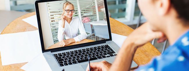 MacBook, accesso alla webcam possibile via malware