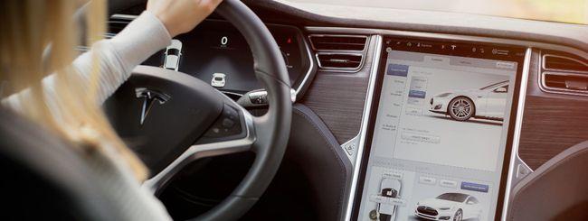Tesla adegua l'Autopilot alle norme europee