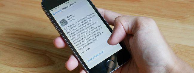 """iOS 11.1.1: coretto il bug iPhone della """"i"""""""
