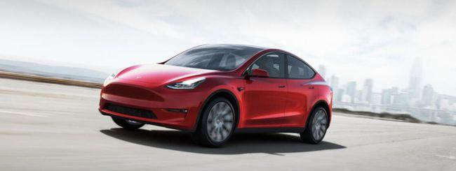 Tesla Model Y, la Model 3 mette i muscoli