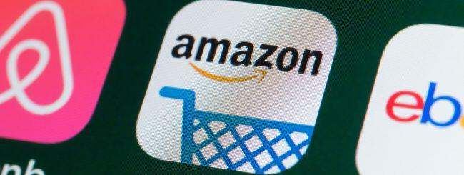 """Amazon: """"Autisti costretti a urinare nelle bottiglie"""""""